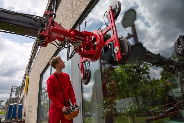 plaatsing glas met machine